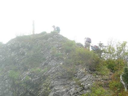 山頂のポール