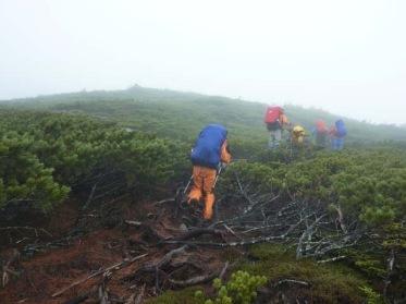 有明岳山頂最後ののぼり