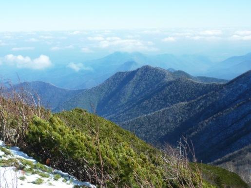 奥に帯広岳