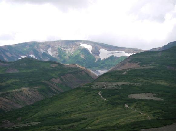 北海岳下山から見るお鉢