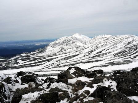 白雲岳から旭岳方面