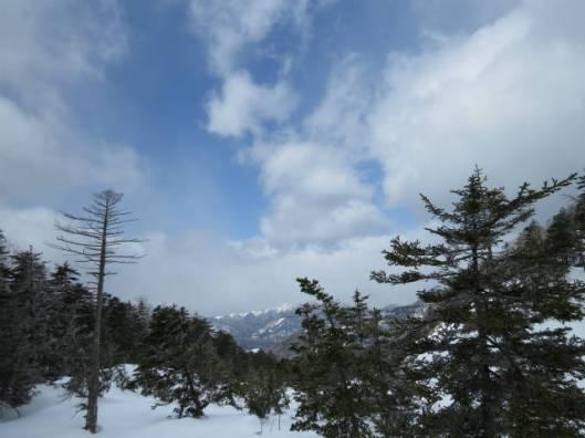sIMG_6301岩場から見える山
