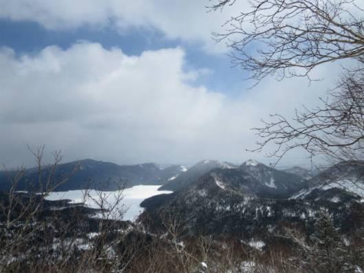 sIMG_6326山頂から見る然別湖