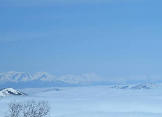 sIMG_2085雲海に浮かぶ山
