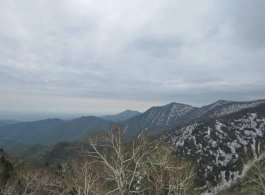 sIMG_3031中央の奥に見える野が帯広岳