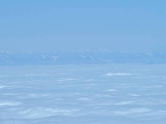 sIMG_3185雲海に浮かぶ日高山脈
