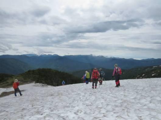 s_MG_4344雪渓を楽しみながら