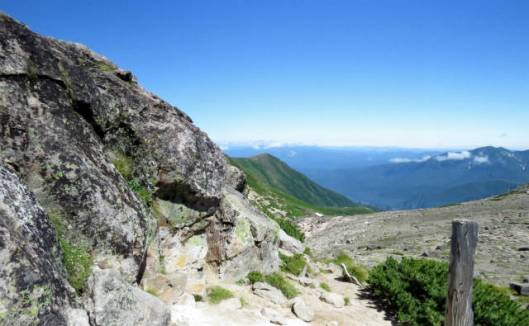 s2013-08-03 赤岳~黒岳縦走 066赤岳山頂から黒岳、ニセカウ