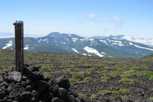 s2013-08-03 赤岳~黒岳縦走 081小泉岳からトムラ